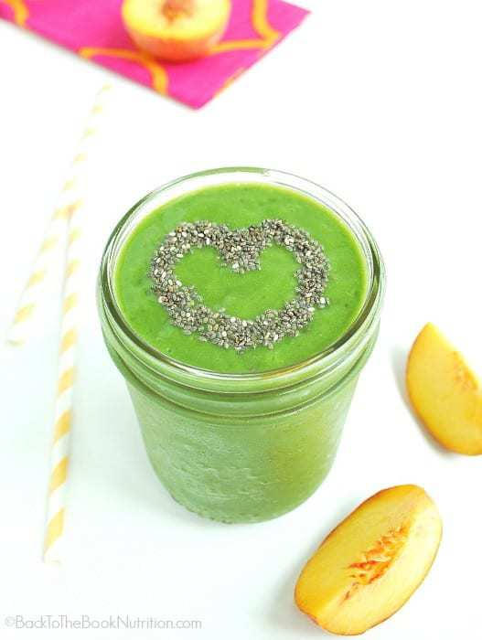 This super healthy peach pineapple green smoothie is bursting with summer flavor! (dairy free) | Back To The Book Nutrition