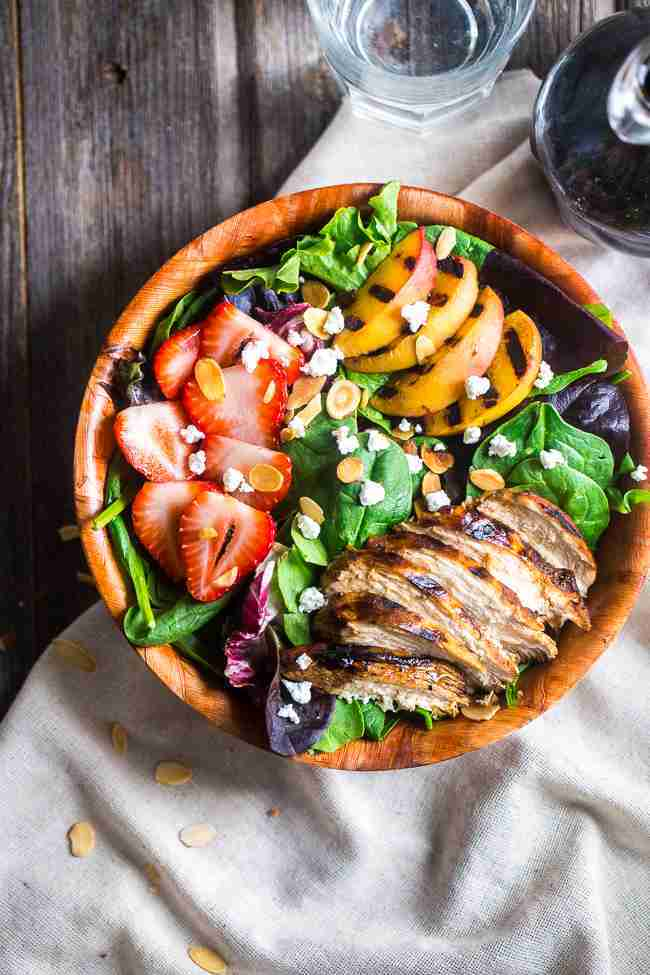 Strawberry Salad with Grilled Chicken, Nectarines, and Balsamic ...