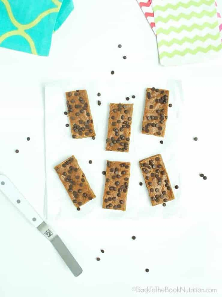 Easy peanut butter chocolate chip homemade Larabars are healthy enough for breakfast but taste more like dessert! | Back To The Book Nutrition