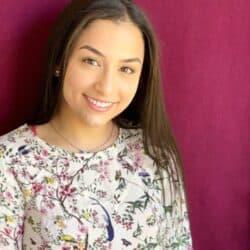 head shot of author Deina Hamdan